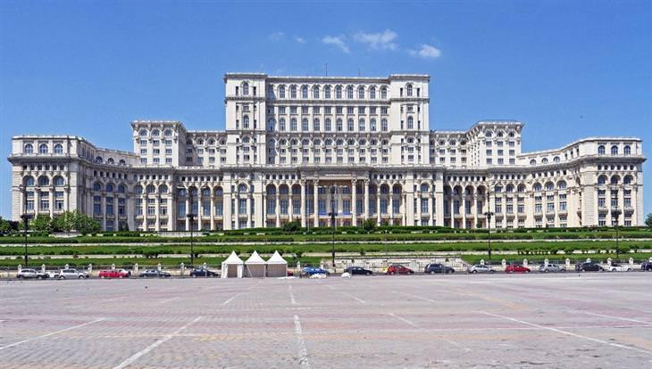 המבנים הגדולים בעולם: ארמון הפרלמנט בבוקרשט