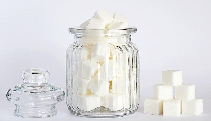 חוקים לחיים בריאים וארוכים: צנצנת קוביות סוכר