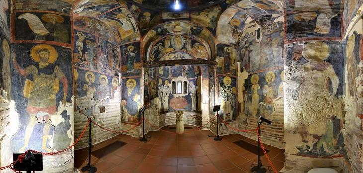 אתרי מורשת עולמית בבולגריה: החלק הפנימי של כנסיית בויאנה