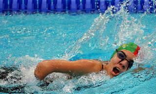 כתבות בנושא מוטיבציה: אישה שוחה