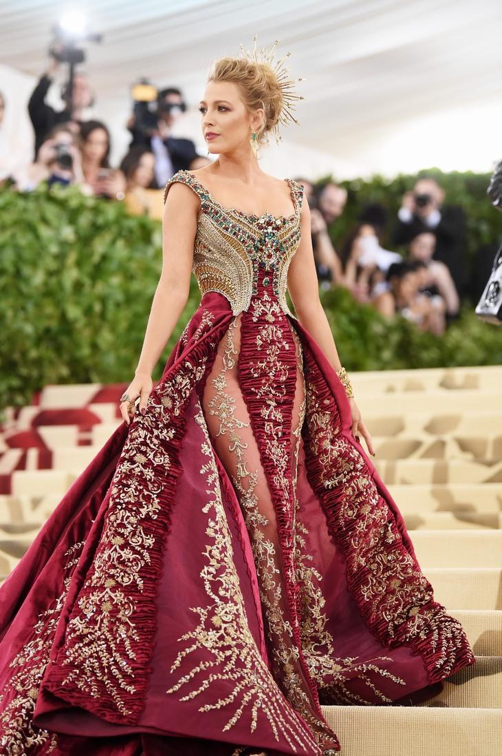 שמלות יפות