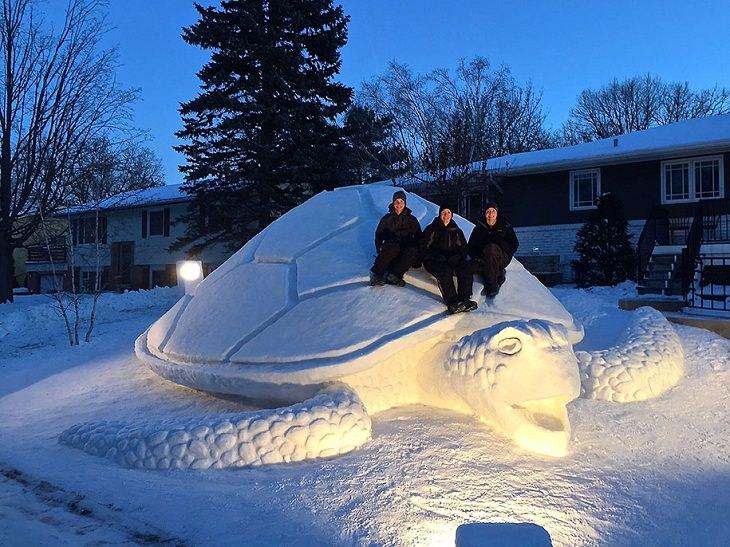 פסלי שלג: צב ענק