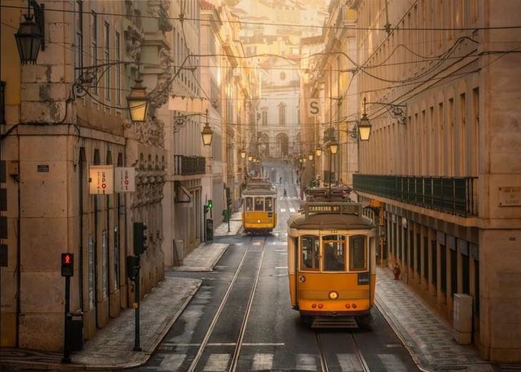 תמונות מרהיבות ממסע רכבת בערי אירופה: רכבות בליסבון, פורטוגל