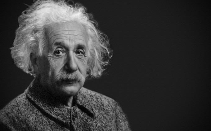 מבחן מסע בזמן: אלברט איינשטיין