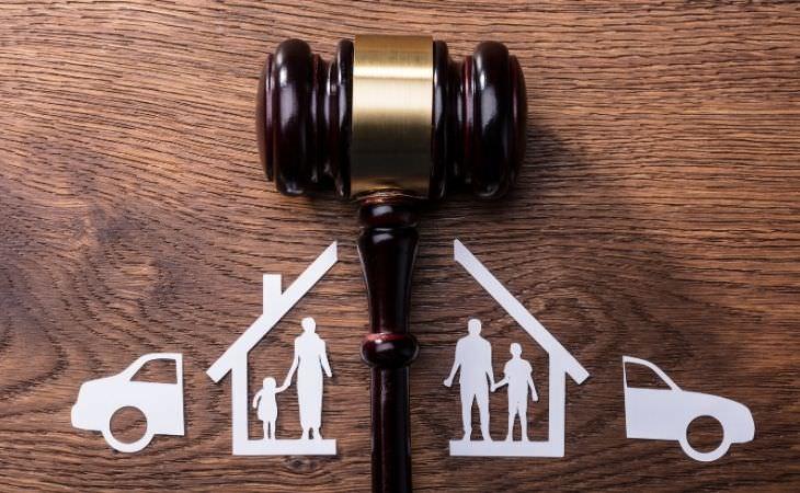 טיפים לנישואים שניים: גזרי נייר שמתארים גירושין