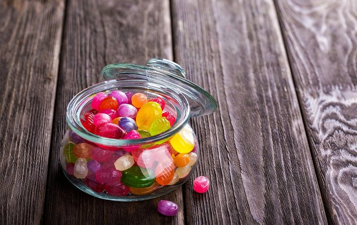 סיבות לרעידות בידיים: סוכריות