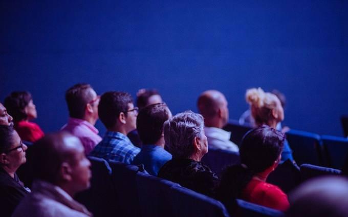 מבחן על העתיד: קהל של צופים