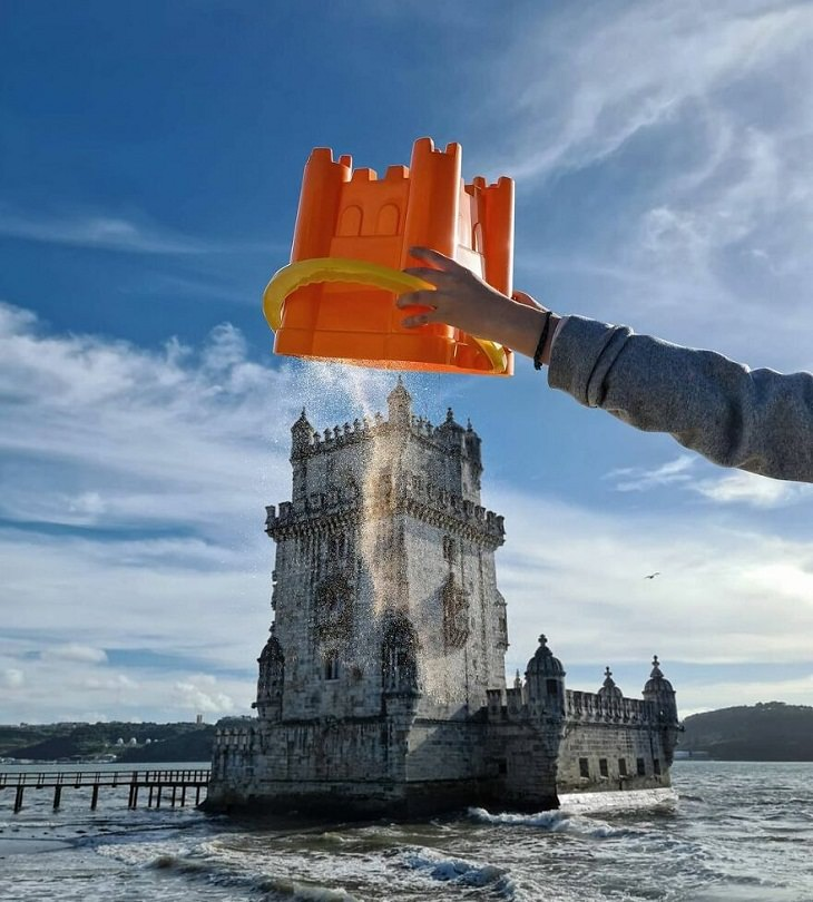 תמונות נהדרות עם משחקי מרחק ונקודת מבט: דלי חול וטירה