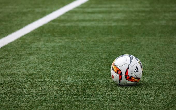 זיהוי טעויות בעריכה חדשותית: כדורגל במגרש