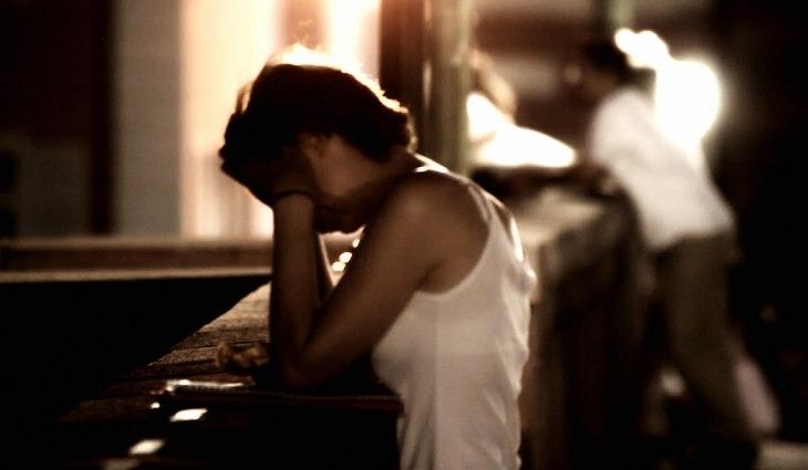 דברים שאסור לסבול בקשר: אישה בוכה