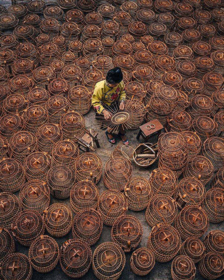 תמונות מהמזרח הרחוק: מוכר סלים בגוויג'ואו, סין