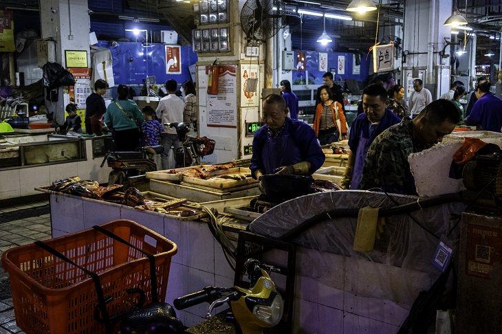 דברים שלמדנו על הקורונה: השוק בווהאן