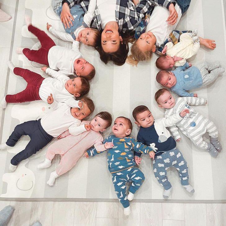 צעירה עם 11 ילדים: כריסטינה עם 11 ילדיה