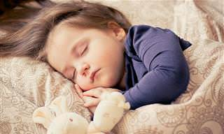 כתבות הורות לפי מומחים ומדע: ילד קטן ישן