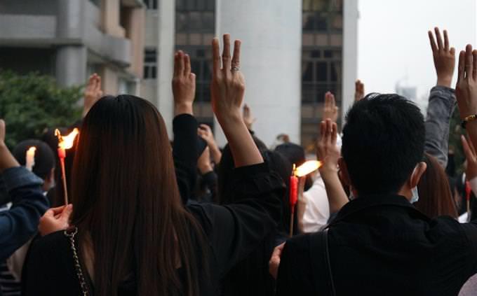 מבחן זיכרון: אנשים בהפגנה