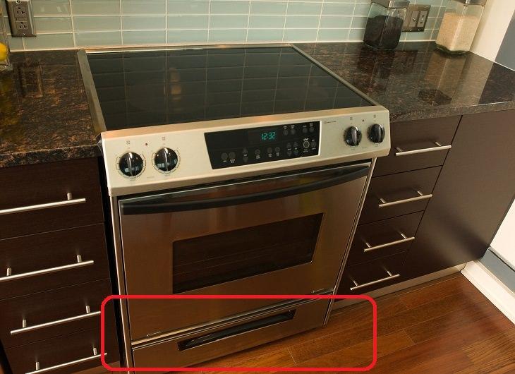 ייעוד בלתי מוכר של פריטים: מגירת תנור