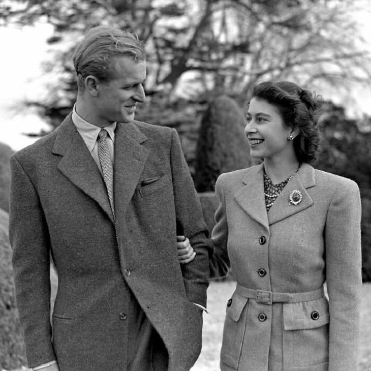 תמונות מחייו של הנסיך פיליפ: בירח דבש בהמפשייר עם המלכה אליזבת השנייה, 1947