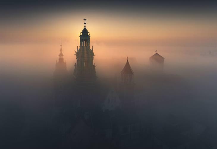 תמונות מפולין: קרקוב בערפל
