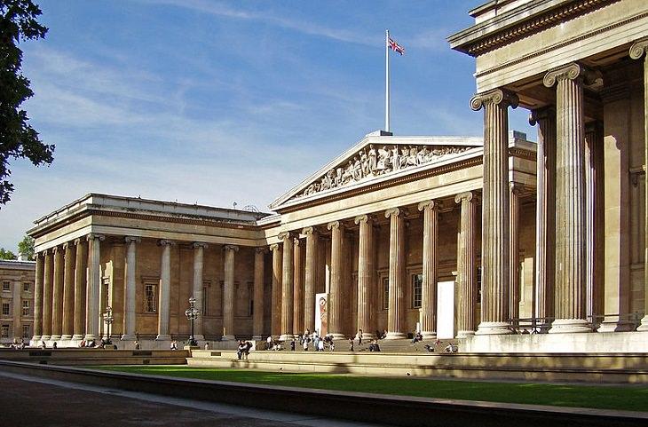 עובדות על אירופה: חזית המוזיאון הבריטי