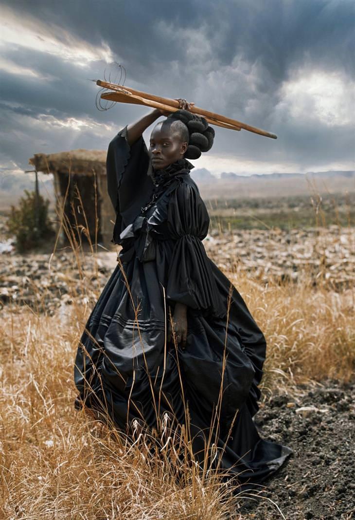 תחרות הצילום הפתוחה של סוני 2021: אישה אפריקאית בלבוש ויקטוריאני
