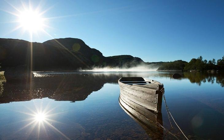 בדיחה: סירה באגם שלו