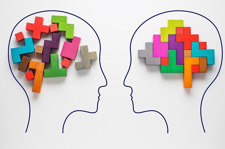 אפקטיבייט לשיפור הזיכרון: ראשים עם קוביות בתוכם