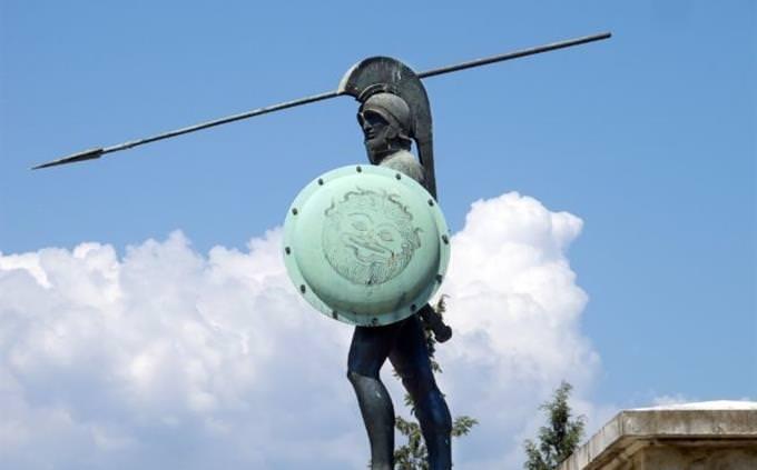 חידון טריוויה להוכחת ידע כללי: דמות של לוחם ספרטני