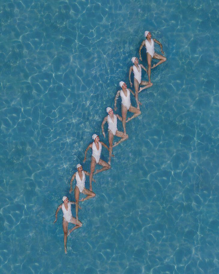 תמונות של שחייה צורנית: מדרגות