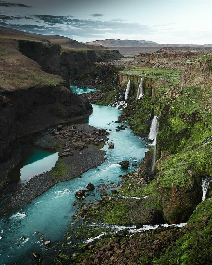 תמונות טבע מדהימות של גאבור נאגי: מפלים