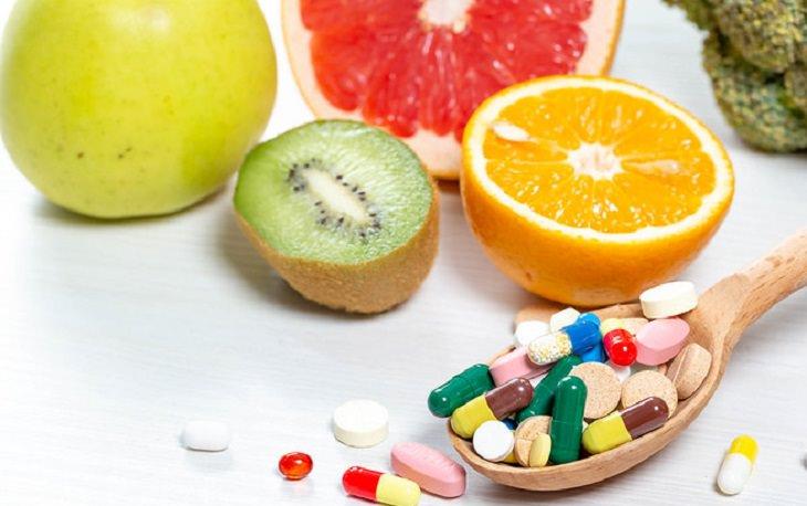 רכיבים לא מוכרים במזון: גלולות תוספי מזון ופירות