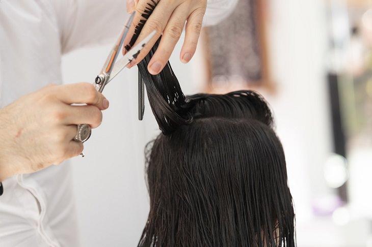 קורס עיצוב שיער: תספורת לאישה