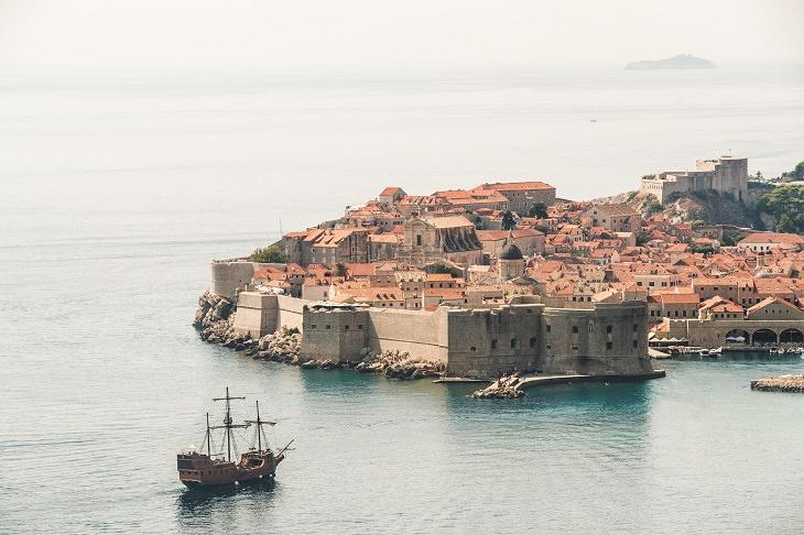 מצב הקורונה במדינות שאפשר לטוס אליהן: עיר נמל עתיקה בקרואטיה