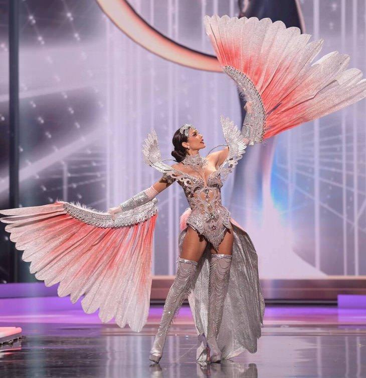 תלבושות מיס תבל 2021: מיס פרו