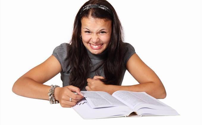 מבחן אינטליגנציה רגשיות: נערה