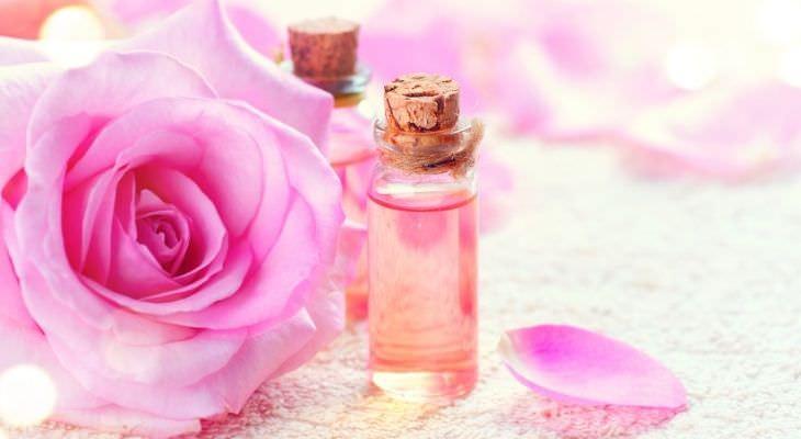 שמנים אתריים לחרדה: שמן אתרי ורדים