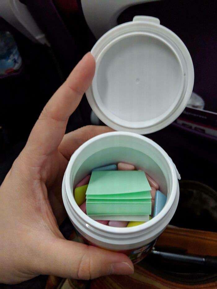 דברים שאפשר לראות רק ביפן: ניירות למסטיק לעוס באריזת מסטיק