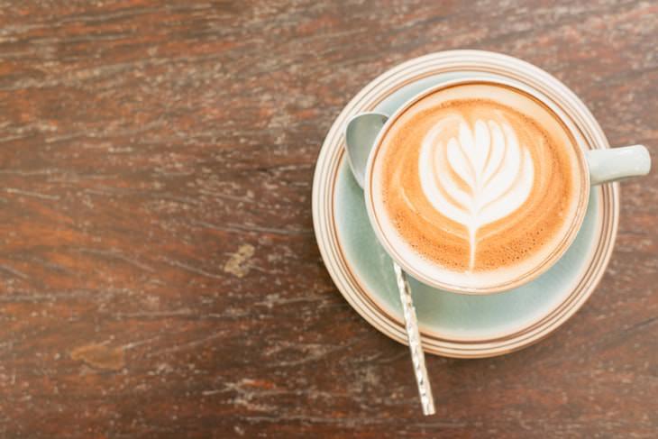 קפה מועיל לכבד: כוס קפה