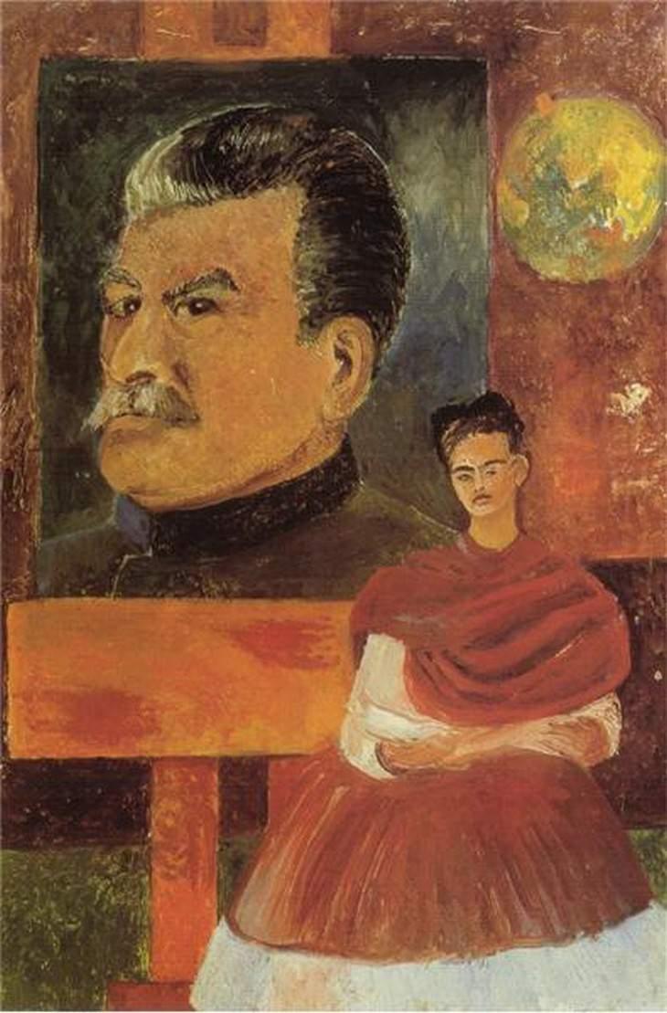 פרידה קאלו: דיוקן עצמי על רקע דיוקן של סטלין