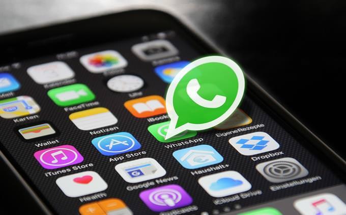 מבחן על רשתות חברתיות ואפליקציות: מסך סמארטפון