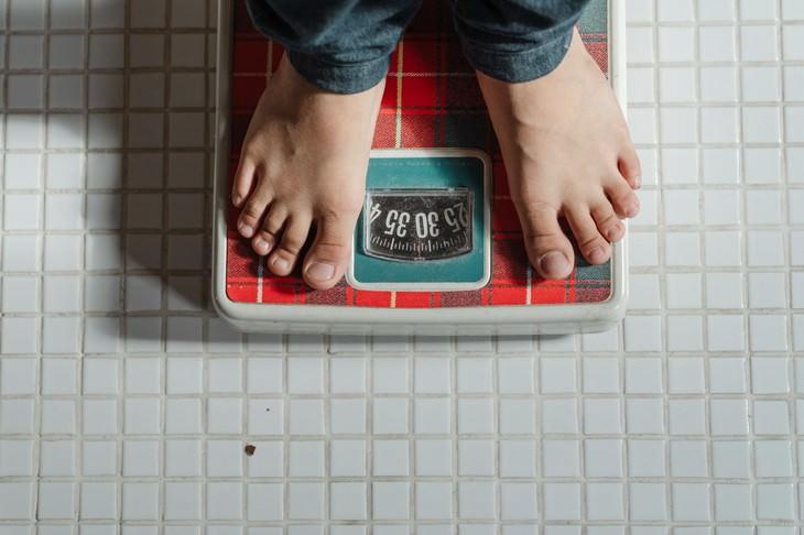 יתרונות נקטרינה: רגליים על משקל