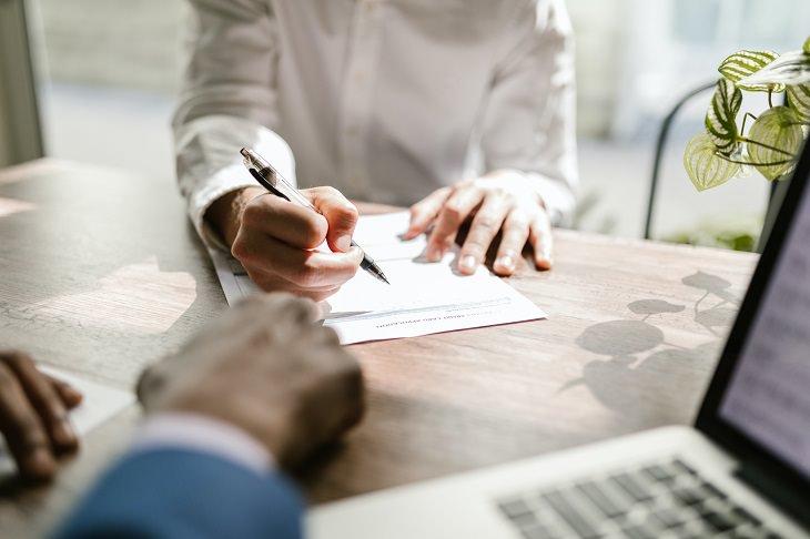 מדריך ביטוח: חתימה על חוזה