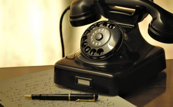 בחן השלמת משפטים באנגלית: טלפון חוגה