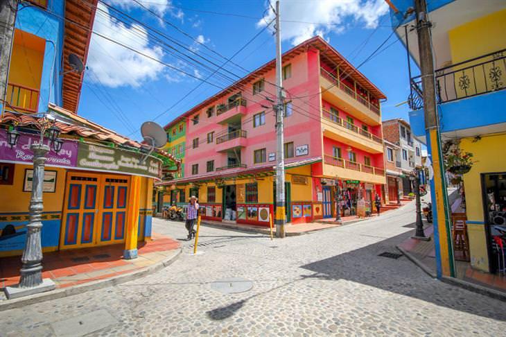 גואטפה קולומביה: צומת צבעונית