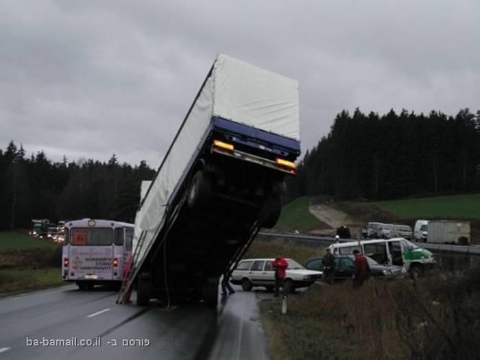 תאונת משאית - לא מקום שתרצו להקלע אליו