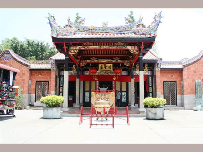 נחש מקדש נחש - מקדש הנחשים במלזיה