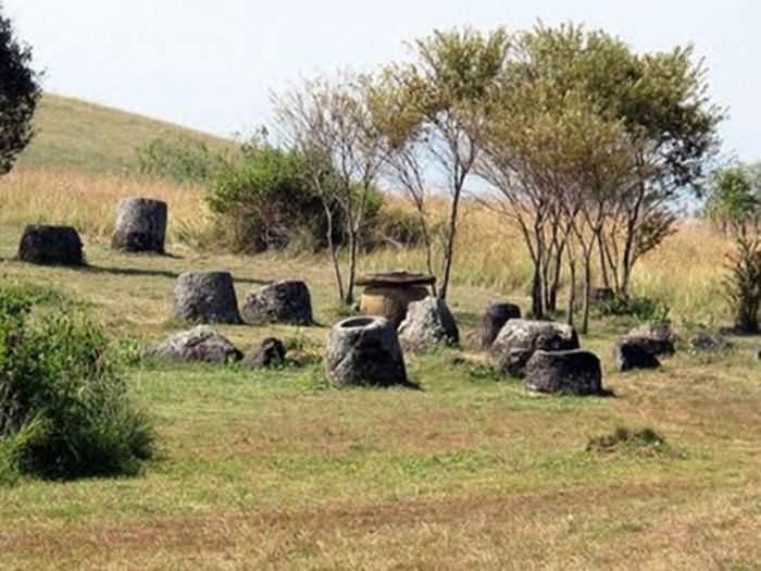 ארכיאולוגיה בשילוב נוף קסום -  עמק הכדים על הרי לאוס