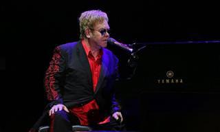 """""""אני עדיין עומד"""": שיר העצמה מדהים של אלטון ג'ון"""