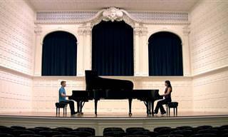 ביצוע נפלא לסונטה של מוצרט לשני פסנתרים