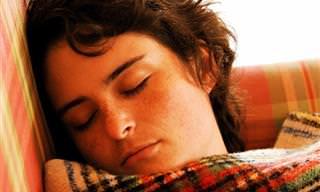 מדוע חשוב שמתבגרים ישנו טוב בלילה, וכיצד ניתן לעזור להם לעשות זאת?