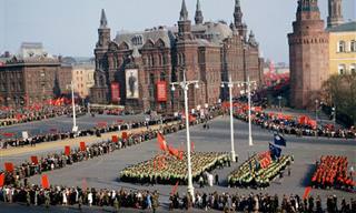 מאחורי מסך הברזל: 16 תמונות נדירות מברית המועצות
